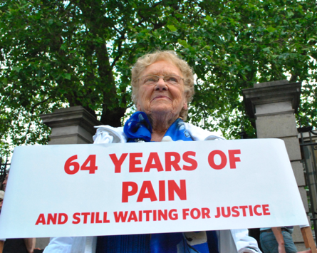 survivors of symphysiotomy campaigning